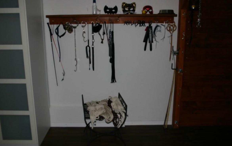 Masken und Peitschen